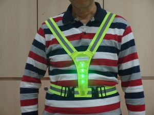 LED light safety sporty vest front (1)